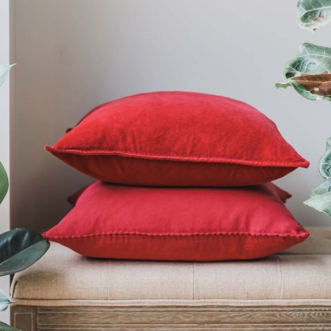 BRICK RED STONEWASHED VELVET CUSHION