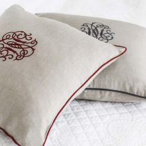 MONOGRAM CUSHION NATURAL/AUBERGINE