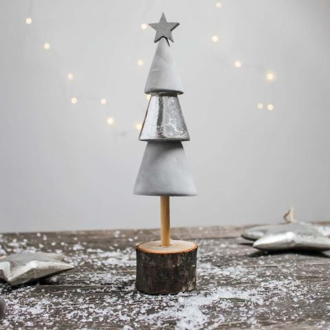 WOOD/CEMENT XMAS TREE
