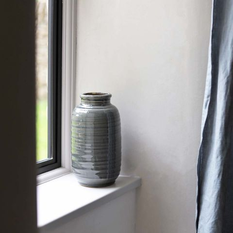 DARK GREY TERRAIN VASE