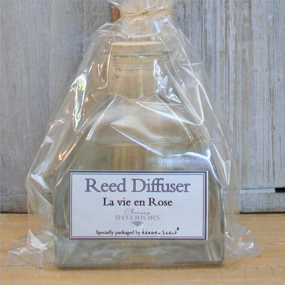 Diffuser set @ R 185 (includes reeds)