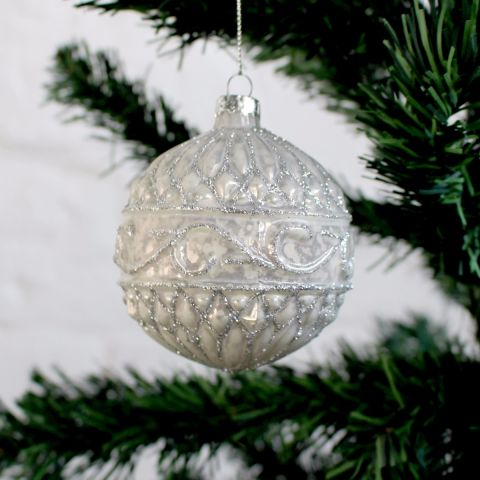 VINTAGE EMBOSSED PEARL & GLITTER GLASS BAUBLE