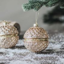 GOLD RIM SPARKLE BAUBLE