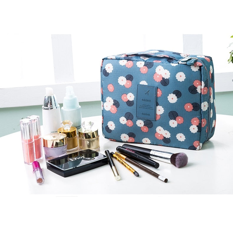Flowers Toiletries Organizer