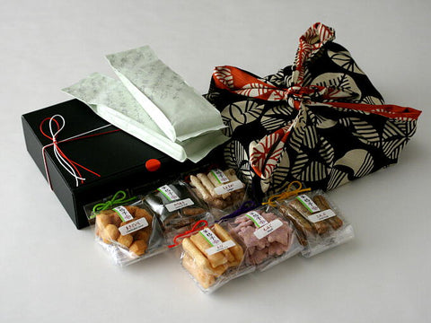 Authentic Japanese Gifts for the Holidays - Snakku