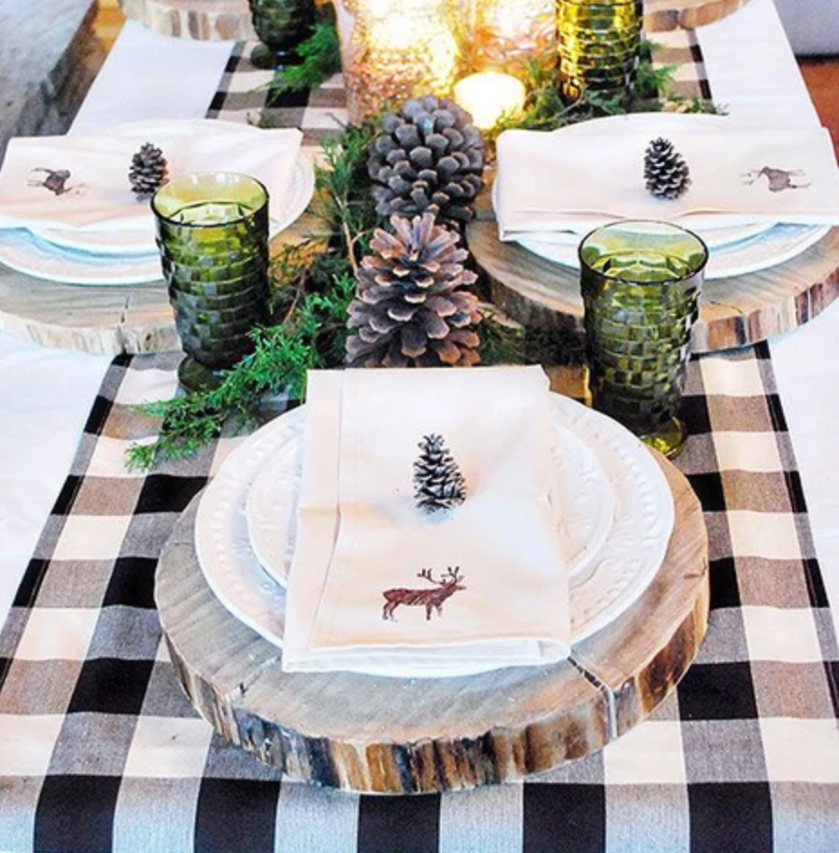 4 Simple Ways to Make Your Holiday Table Setting Instagram-Worthy