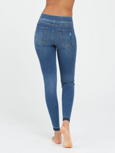 Load image into Gallery viewer, Distressed Skinny Jeans