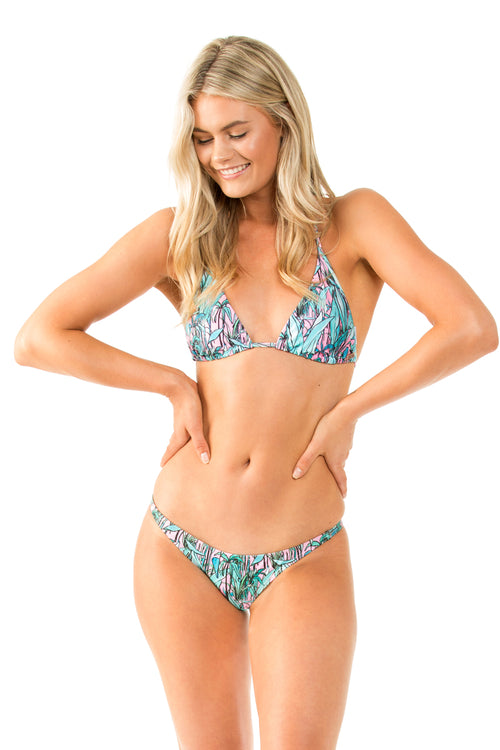 TURQUOISE/PINK AUSTRALIAN CUT BOTTOM