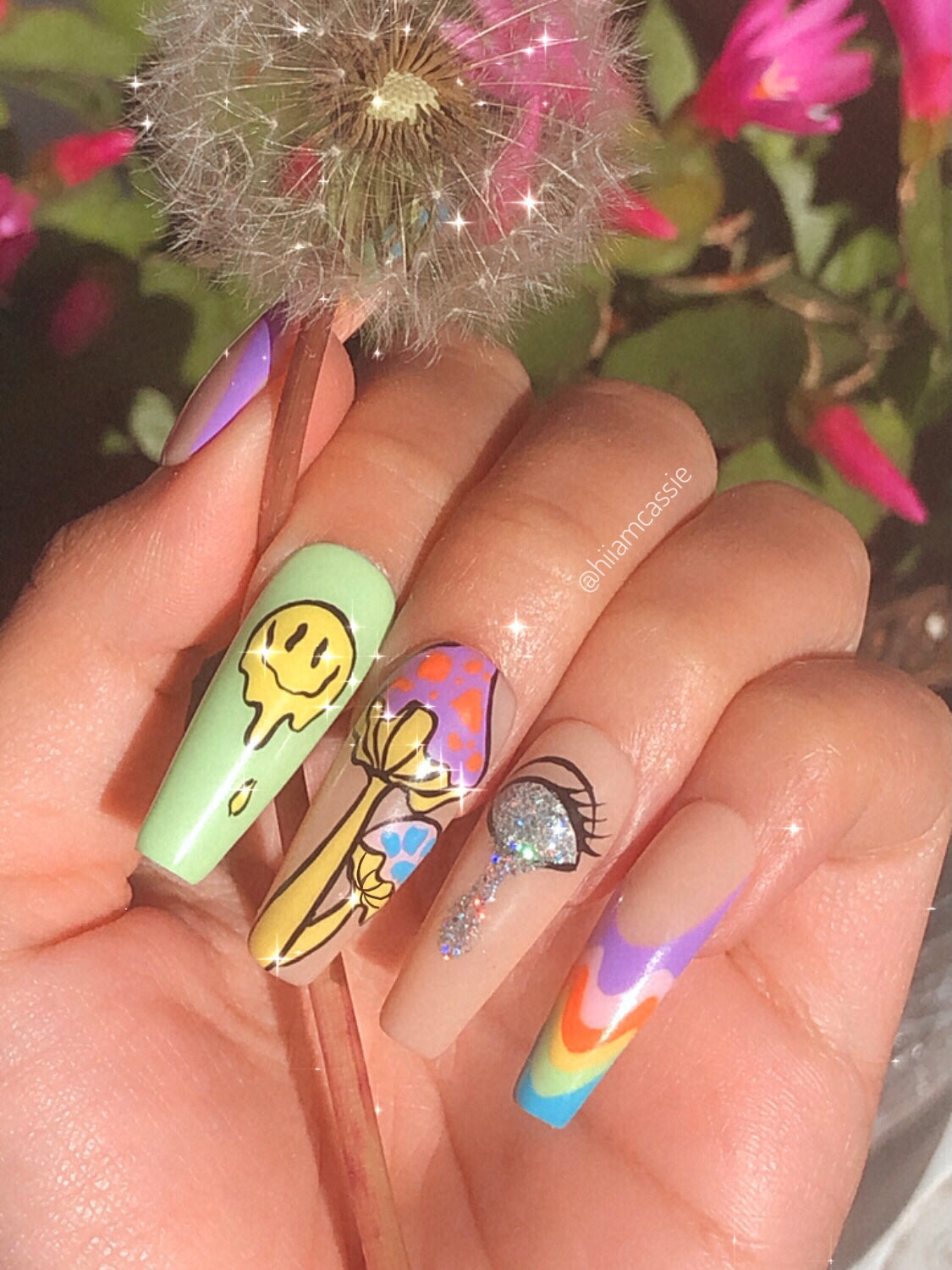 Trippy nails by @hiiamcassie