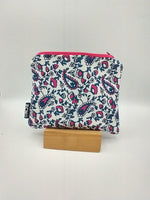Load image into Gallery viewer, Pink Paisley Zipper Bag