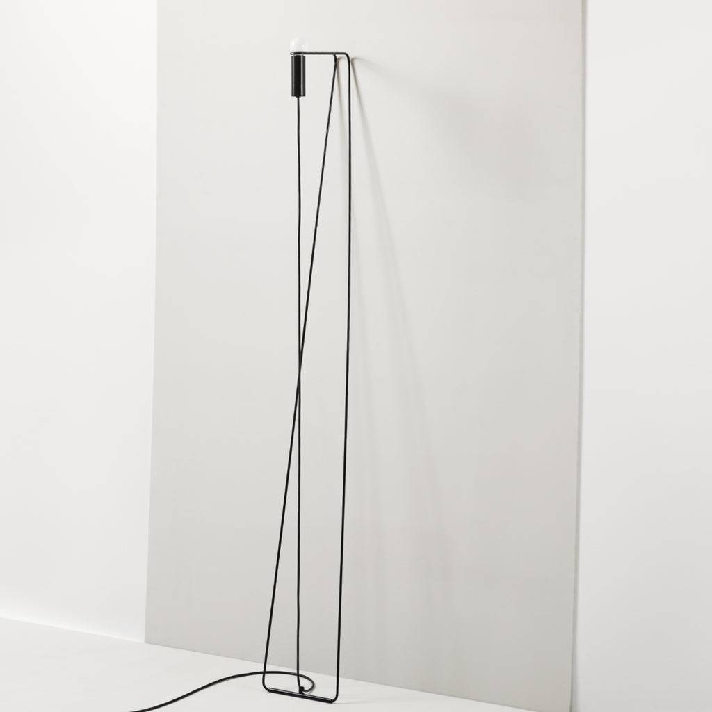 AN.001 Leaning lamp