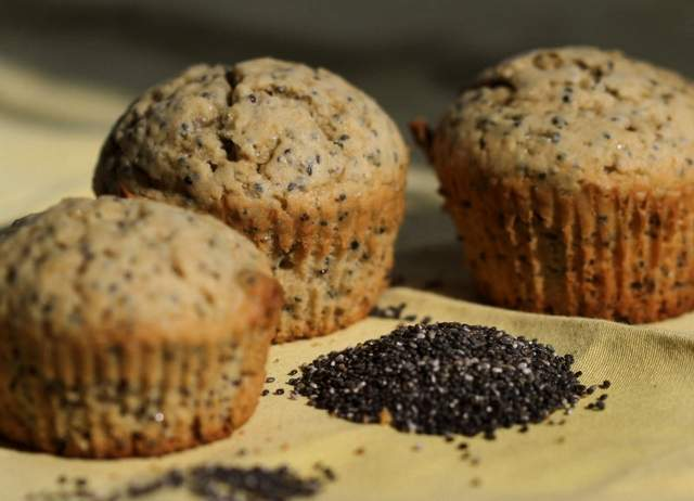 Banana and Chia Cupcakes lactose free milk recipe