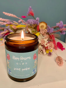 GLØD x THE HAPPY BLOSSOMS 'Secret garden' scented soy wax candle