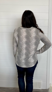 City chic snake print top