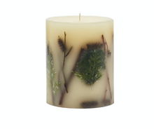 "Load image into Gallery viewer, 5.5"" Mini Round Handmade Botanical Candle"