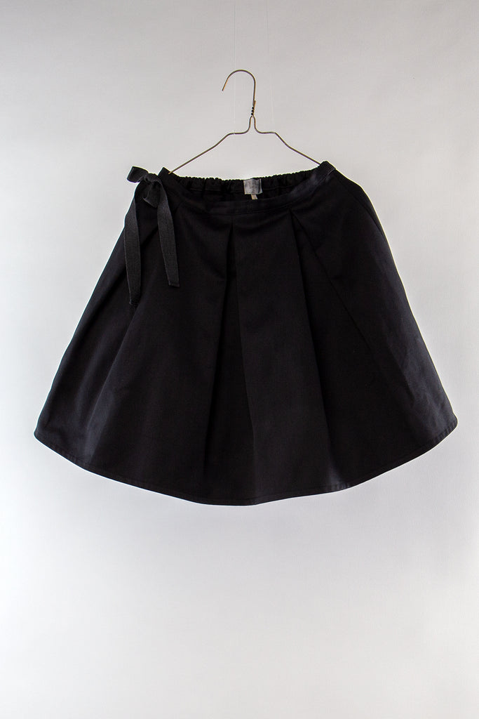 Organic black canvas skirt by Hilda.Henri