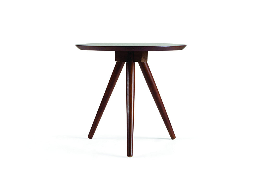 Tolly side table walnut meubles newell furniture for Meuble brossard