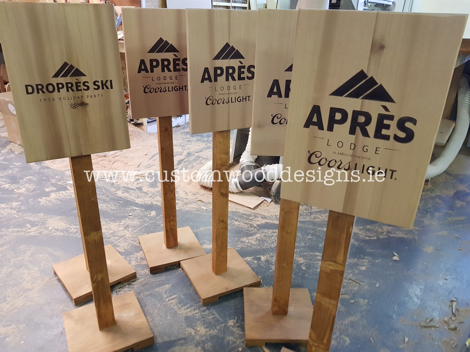 Apres Logo Cuistom Wood Designs branding company wood branding dublin ireland engraveing cnc specialists online Apres event signs timber signs wood signs ireland (1)