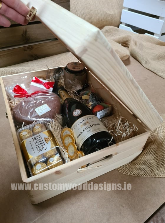 Corporate hampers ireland Wooden Speaker Branded company merch WOOD PHONE CHARGER Swag gifting corporate gifting ireland sustainable gifts ireland company gifts custom wood designs