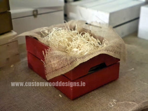 Small Hamper Crate Red SCHR 31 x 23 x 15 cm - Custom Wood Designs