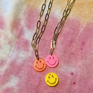 Neon Smiles Lou Chain Necklace