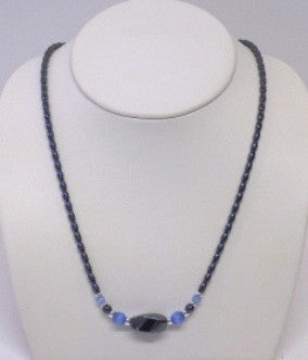 Hemitate Twist Necklace - Lively Accents