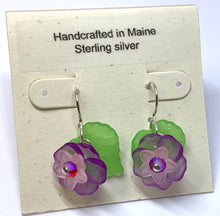 Load image into Gallery viewer, Lucite Flower Earrings