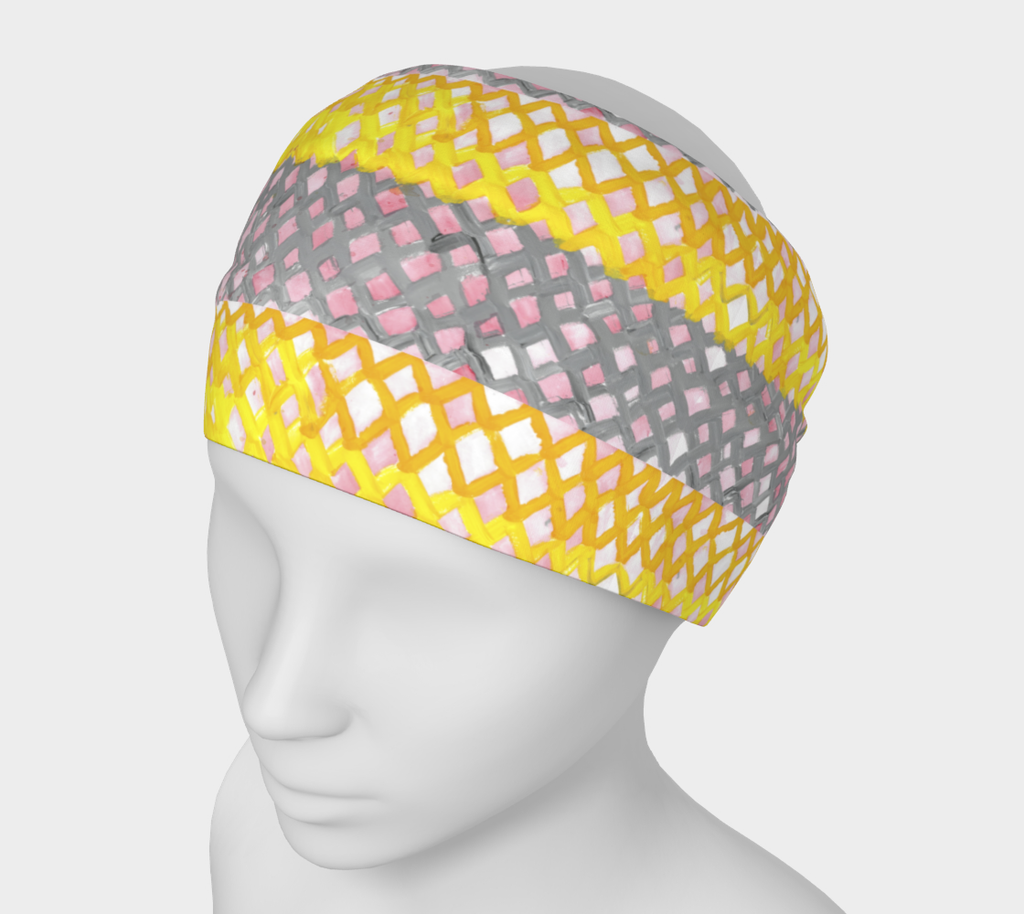 Mannequin wearing a wide headband with yellow and gray striped lattice pattern
