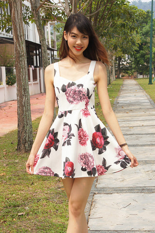Venice Dress in White