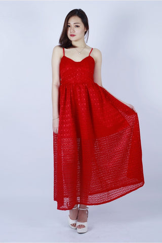 AMY LACE MAXI DRESS (CHILI RED)