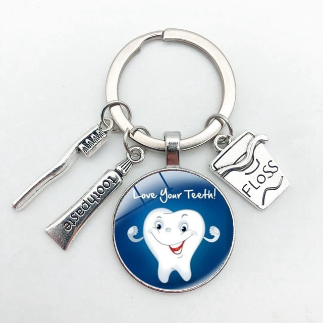 New Creative Cute Cartoon Teeth Pattern Dentist Medal Keychain Children's Gift Glass Dome Pendant Keyring Hoilday Party Souvenir