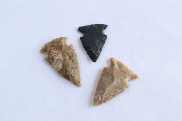 Stone Arrowheads (assorted colors: brown, black, etc)