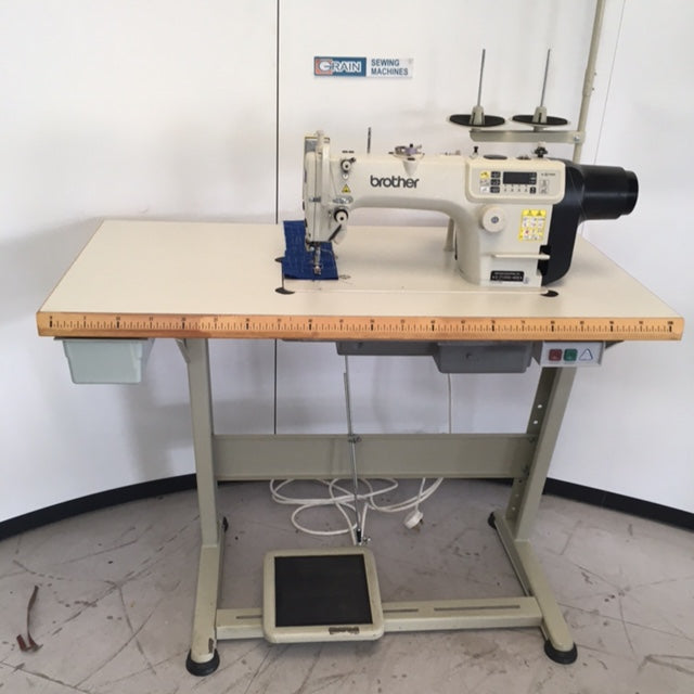 Used Brother S7100A-403 direct drive Lockstitch UBT (with Auto foot lifter)