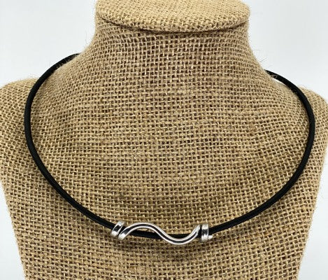 Ripple Twist Necklace