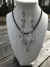 Load image into Gallery viewer, Winding Twist Necklace