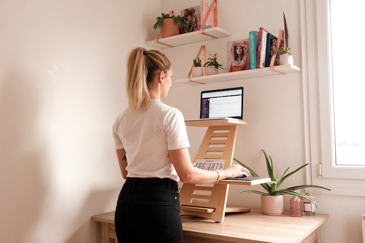 Why Do Physiotherapists Recommend Using a Standing Desk?