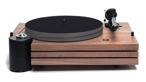 Music Hall MMF-9.3 Walnut. Front photo. Picture includes the isolated motor, platter, belt, tonearm with Goldring Eroica MC cartridge.
