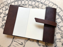 Charger l'image dans la galerie, Leather notebook -Brown  / 革のカバーノート (ブラウン)