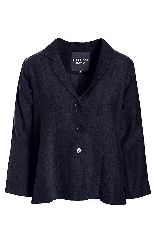 Front view of the bitte kai rand lazy linen jacket. This jacket is black with a notched collar and a 3 button up front. The sleeves are long.