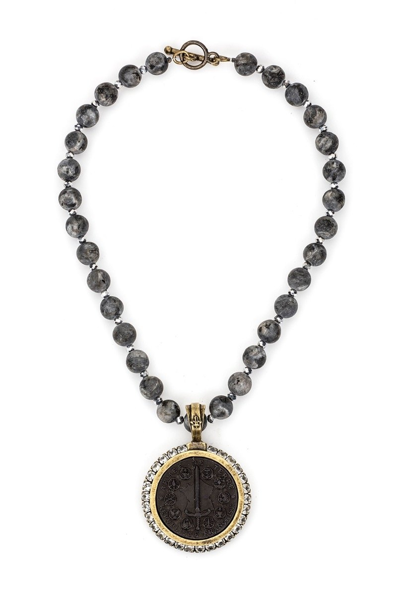 French Kande Du Terre Medallion Necklace - ModeAlise