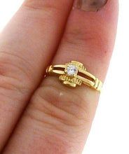 Load image into Gallery viewer, 18K YELLOW GOLD CUBIC ZIRCONIA SOLITAIRE UNIQUE RING