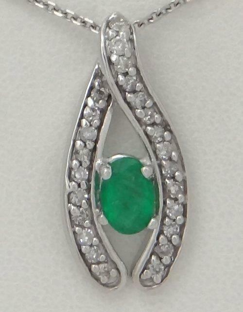 14K WHITE GOLD 1/4ct DIAMOND 1/2ct OVAL GREEN EMERALD LUCKY PENDANT CHARM .86