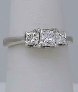 14k WHITE GOLD 1.00ct PRINCESS CUT DIAMOND THREE STONE ENGAGEMENT RING