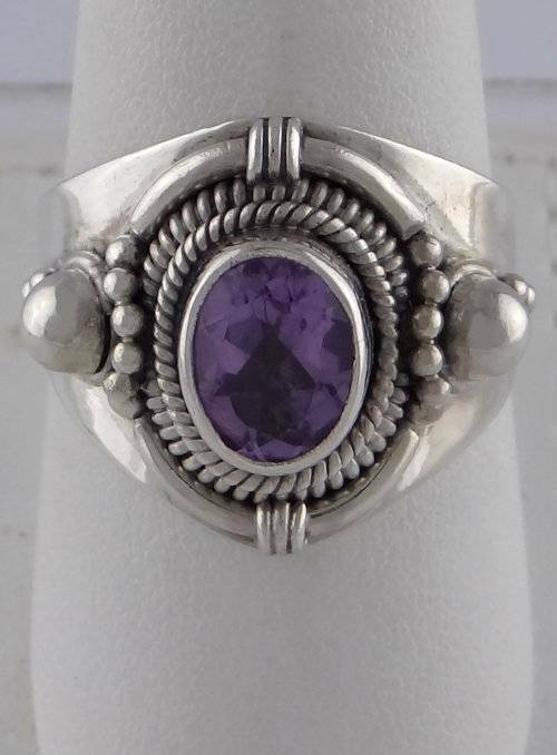 925 STERLING 1 1/2ct OVAL AMETHYST SOLITAIRE RING