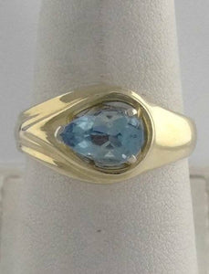 14K YELLOW GOLD 1 1/2ct PEAR BLUE TOPAZ SOLITAIRE RING