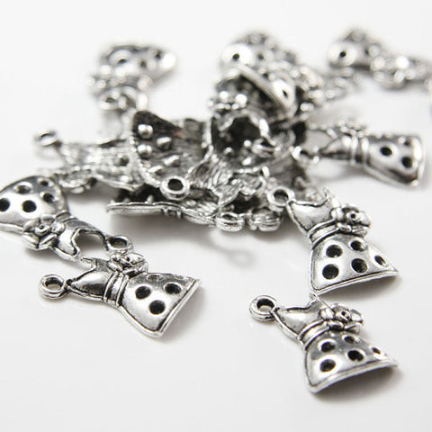 Base Metal Charm - Dress 20x13mm (12803Y)