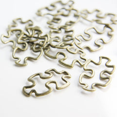 Base Metal Charms-Jigsaw Puzzle 30x18mm (30014Y)