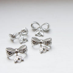 Base Metal Charm - Link - Bow 17x7mm (4666Z)