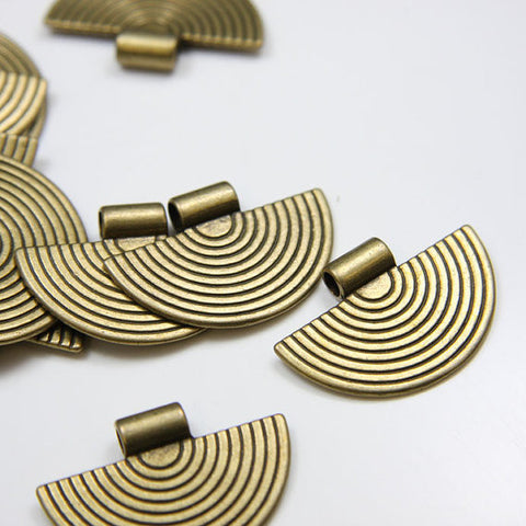 Base Metal Pendants-34x23mm (695Y)