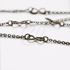 Hand Linked Chain-Infinity (Y0120)